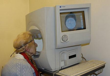 centre-ophtalmologie-la-ciotat-docteur-jerome-madar-materiel-champ-visuel-02